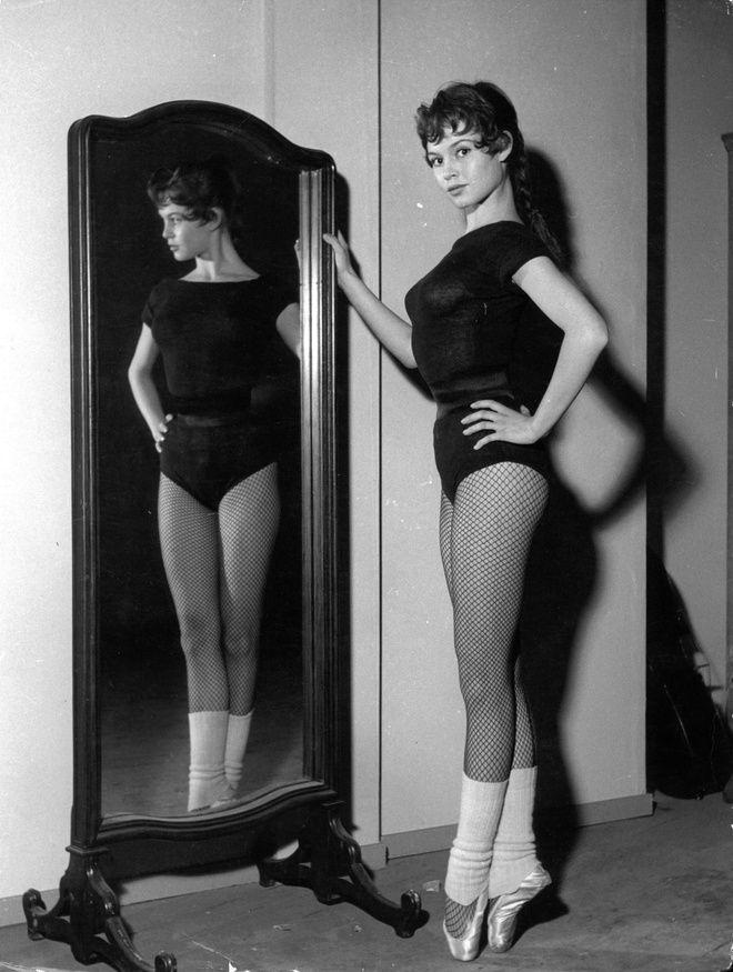 Brigitte Bardot dans Futures vedettes de Marc Allégret (1955)