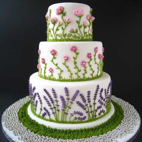 @KatieSheaDesign ♡♡♡ #Cake Summer Flowers! - still can't find the source for this one, I'll keep looking