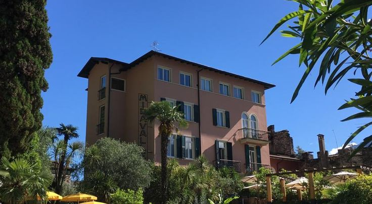 Hotel Villa Miravalle Riva Del Garda Hotel Villa Miravalle is set in Riva del Garda, just 400 metres from the shores of Lake Garda and next to the historic city wall surrounding the town. It offers a restaurant with terrace, free WiFi, and air-conditioned rooms.