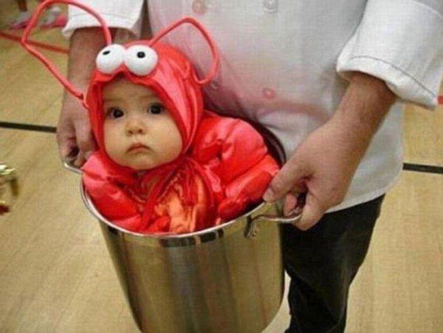 Best Halloween couple costume!: Halloweencostumes, Cute Halloween, Costume Ideas, First Halloween, Baby Costumes, Lobsters, Baby Halloween Costumes, Halloween Ideas, Costumes Ideas