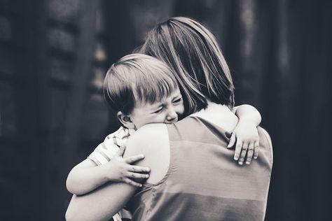 Se seu filho chorou na porta da escola, me dê aqui um abraço, porque eu acho que você sabe exatamente o que eu senti! Para ler e compartilhar!