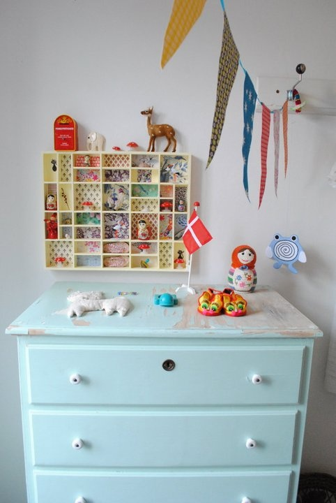 kids love to collect things, especially between the ages of 3 to 7.  This would help limit the amount they could actually bring home by making them have a really special place for those found treasures like the cutest little rock from the playground or the broken shell from the beach, etc.
