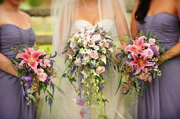 Long Cascading Bridal Bouquet - Get matching cascading bouquets for your bridesmaids to create a lovely effect.  #Bridal #Wedding #Bouquets #Long #Cascade