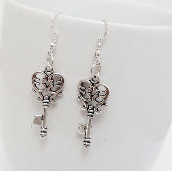 Silver Key Earrings  Steampunk Earrings  Silver by BijiJewelry