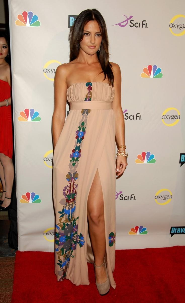 Minka Kelly i loveeeee the dress.