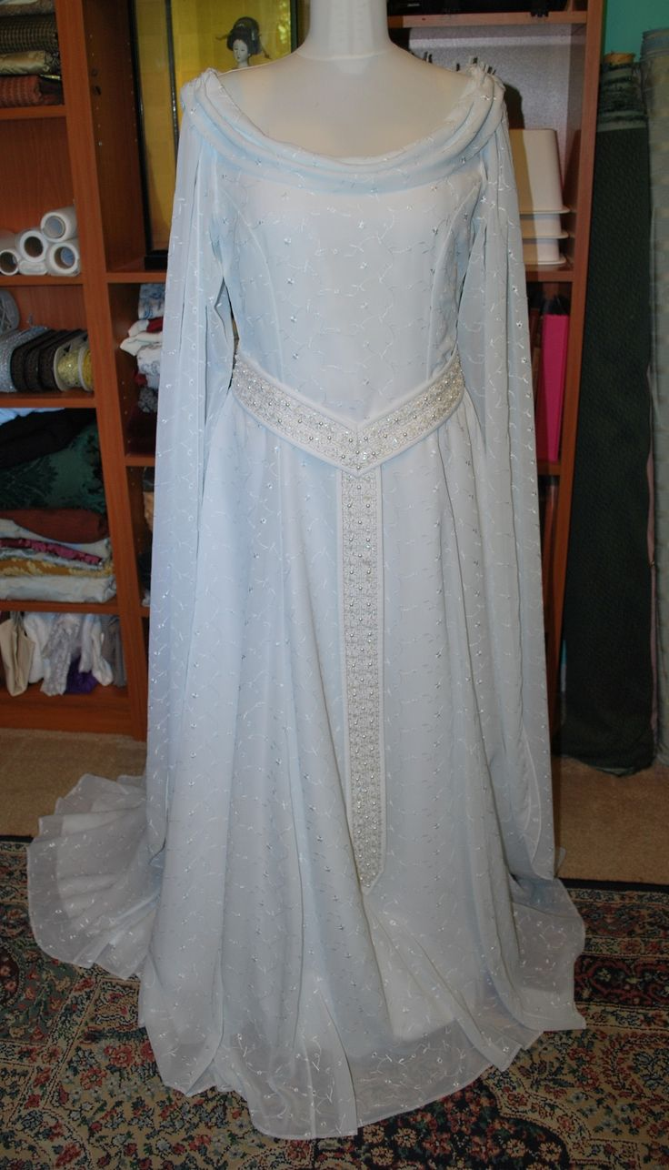 Starlight Masquerade - Galadriel Gown: Done!