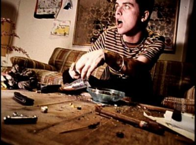 Green Day<<< One of my all time favorite music videos...I love Longview