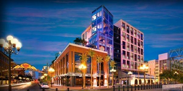 Fab downtown district in San Diego!Hotels San, Favorite Places, Diego Hotels, Hard Rocks Hotels, Gaslamp Quarter, Hardrock Hotels, Downtown San, Rocks San, San Diego California