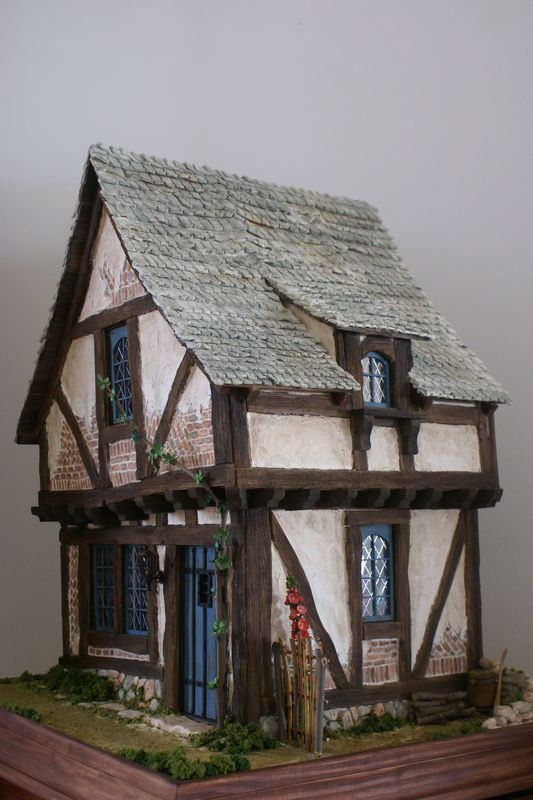 The Crooked House. A workshop with Rik Pierce