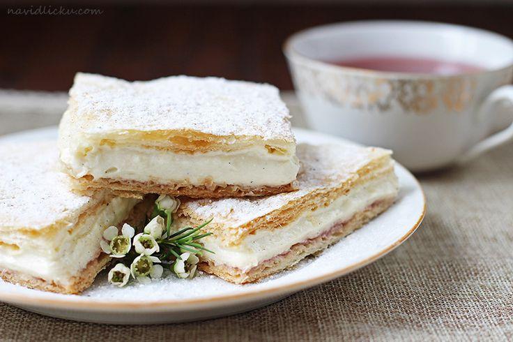 Vanilla Pastry Cream Squares / Žloutkové řezy | Na vidličku food blog