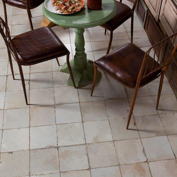 Peronda FS 0 är en varmt vit klinker, i rustik stil från spanska Peronda. Kan användas till både golv och väggar inomhus. Peronda-kvalitet till kampanjpris!