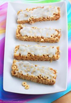 DIY Homemade Cereal Bars are perfect for breakfast on the go, and you can have fun trying different types of cereal to change up the flavor: http://chocolatecoveredkatie.com/2015/01/11/customizable-milk-cereal-bars/