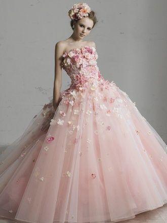 永遠の乙女カラー♡ピンク色のウェディングドレスで夢をかなえましょう♡にて紹介している画像