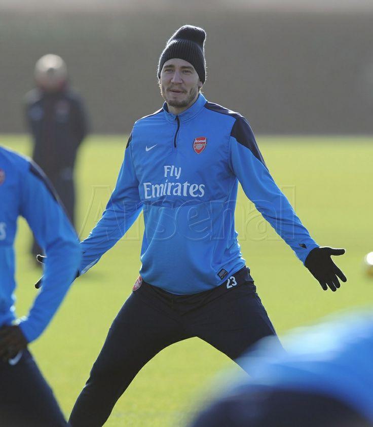 Bendtner in Training Before Match vs Southampton 2013-2014.