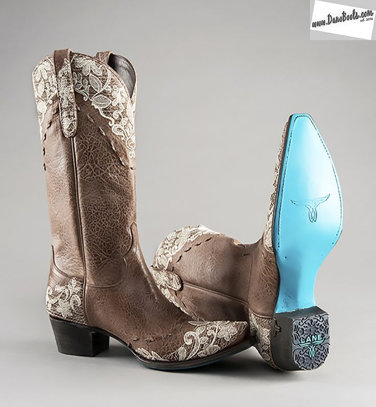 Quality Women western boot store in Prescott Arizona featuring Lane Boots of Texas. All of our boots are made of full grain cowhide and kid skins and handmade in Mexico. Free shipping and free guaranteed returns. we want you to love your boots.