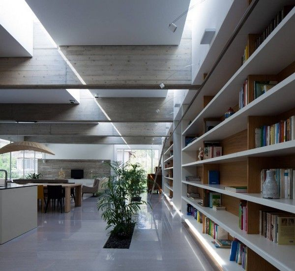What beautiful light-filled home. -pathway house jacobs-yaniv