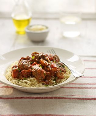 Saucy spaghetti with lamb