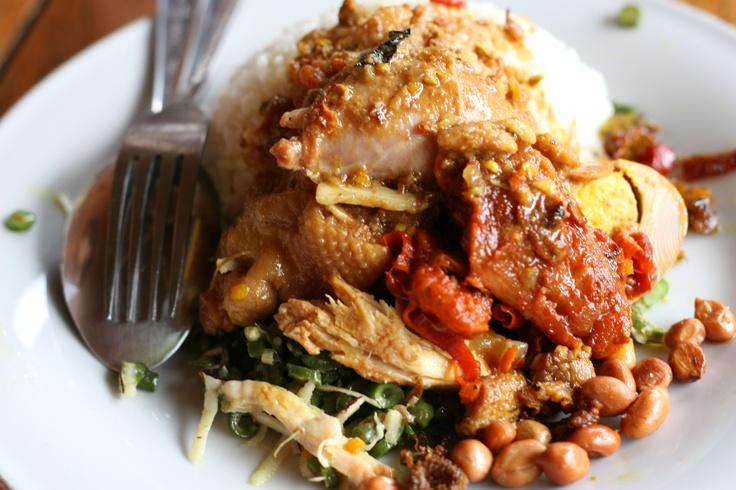 Spicy chicken dish (nasi ayam) - Nasi Ayam Ibu Mangku, Kedewatan, Ubud, Bali, Indonesia.