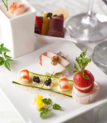 ウエディング 料理・ケーキ フランス料理 最高の結婚式場での結婚式・ウエディングをお考えなら東京のホテル椿山荘東京で。【公式サイト】