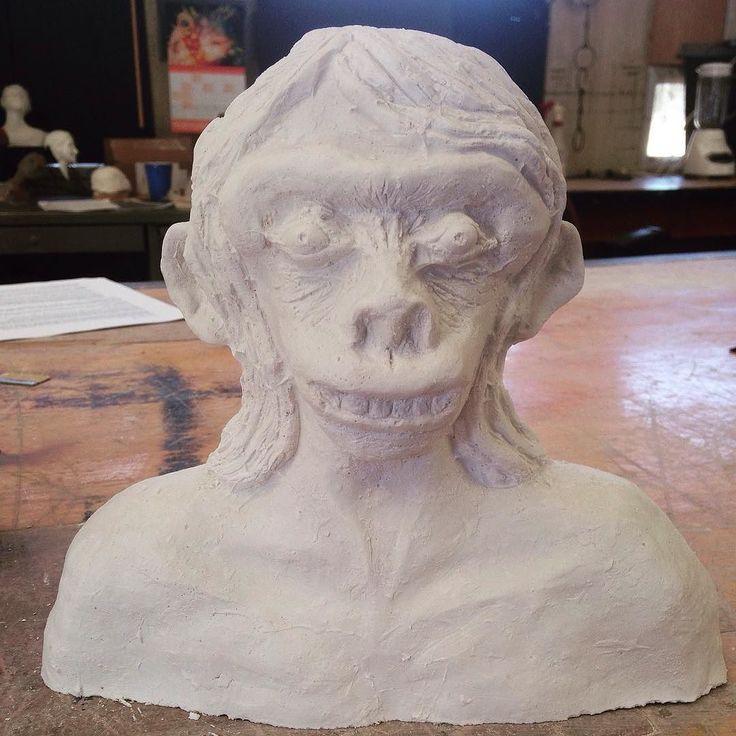 #Human- #Monkey  Kind of an #anthropoid #ape  In #production  #Sculpture #class #artmajor  #art #fineart #studyabroad  #America  #usa #kansas #emporia #esu #plaster #plasterofparis  #スカルプチャー #石膏 #しっくい #まだ途中 #アメリカ留学 #留学中 #留学 #アートメジャー #アート #芸術  この授業がアートメジャーの #必修クラス by takarart