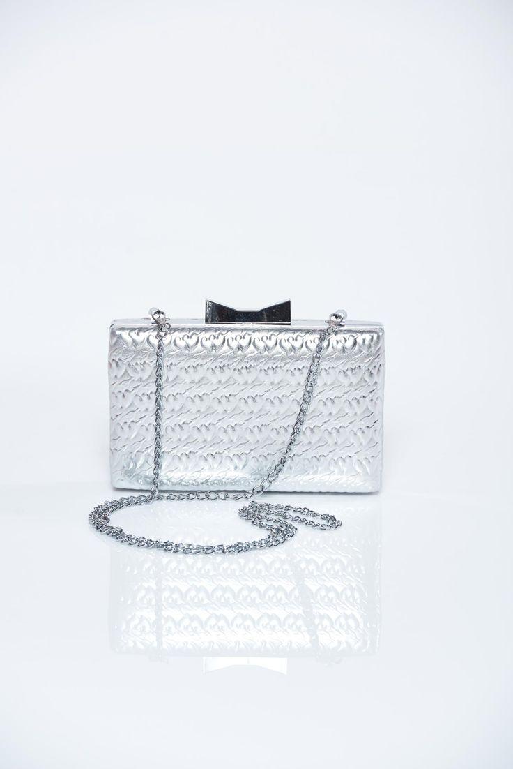 Comanda online, Geanta dama de ocazie argintie cu aspect metalic. Articole masurate, calitate garantata!