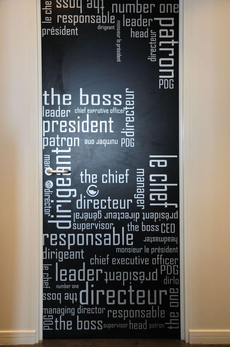 Adhésif personnalisé et créé sur mesure pour la porte du PDG de la société