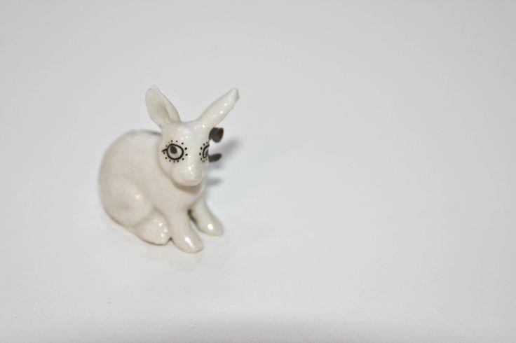 porcelánová brošňa Minka