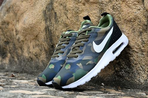 check out 1aab8 79d3e NOUVEAU Nike Air Max Tavas Essential Print Camo Army Green White