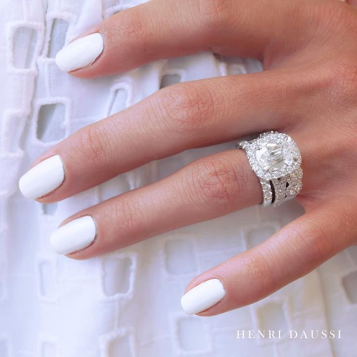 How gorgeous is this stunning wedding set? #engaged #instaglam #engagementring…