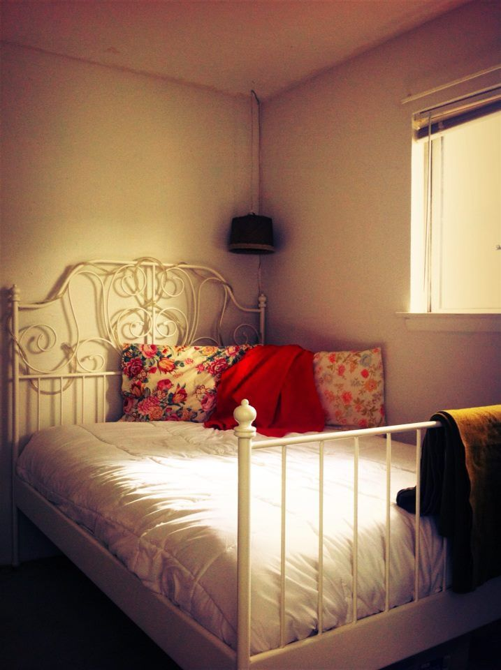 100 best viv 39 s room images on pinterest bedroom boys for Old fashioned bedroom ideas