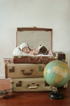 Vintage travel theme'd nursery - www.theCapturedBlog.com