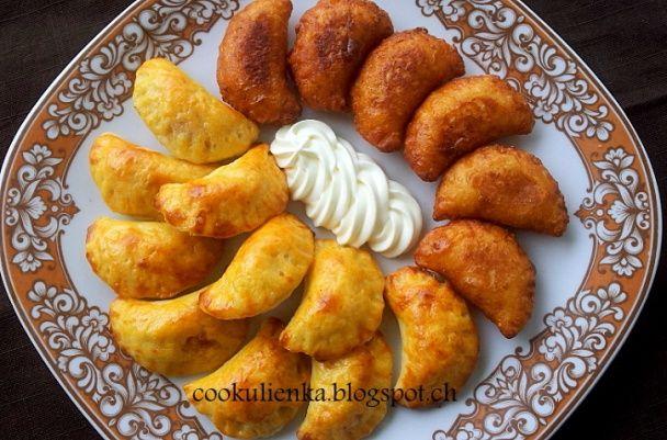 Pečené zemiakové pirohy s kyslou kapustou a údeným mäsom - obrázok 2