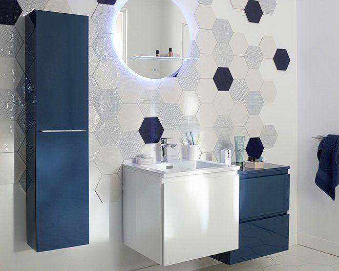 salle de bain lumineuse astuce conseils bathroom tiling grey bathroom tiles and grey bathrooms. Black Bedroom Furniture Sets. Home Design Ideas