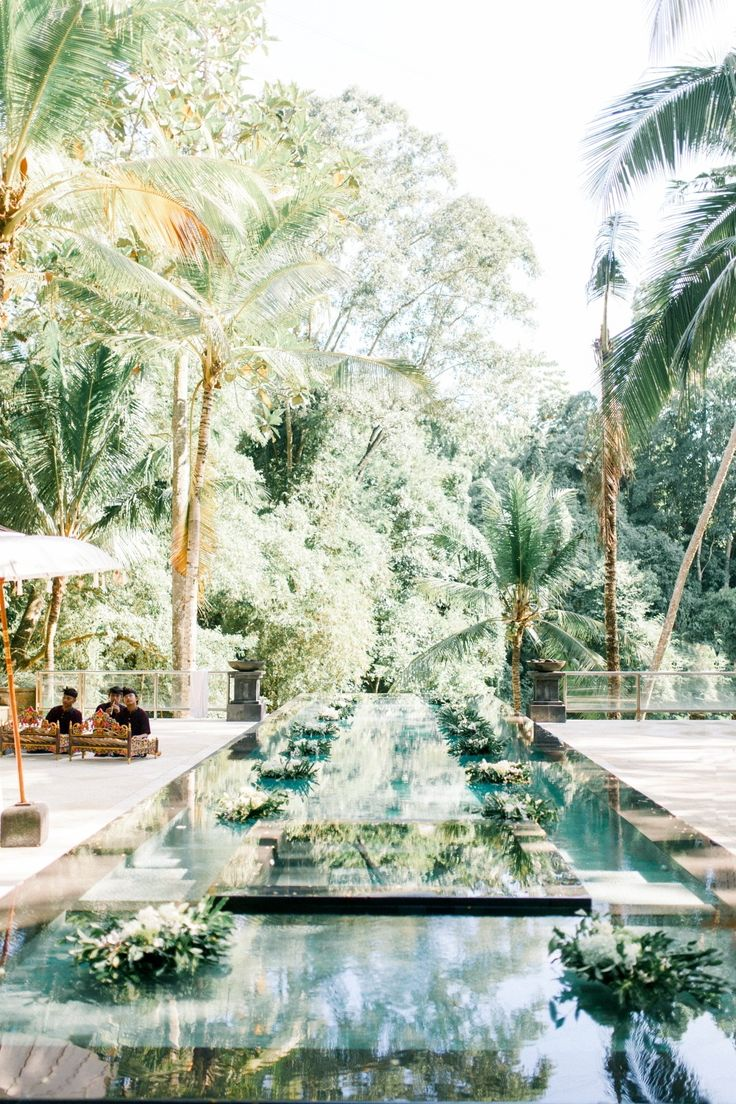 Emerald Green Bali Wedding with Tropical Vibes