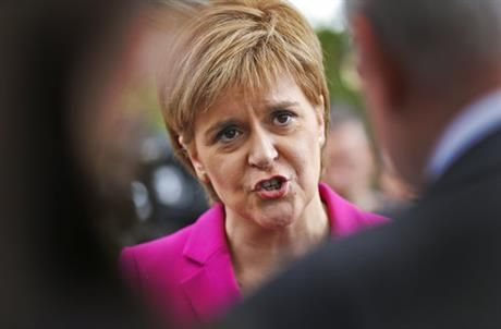 "{    SCOTLAND SEEKS NEW INDEPENDENCE REFERENDUM AMID BREXIT SPAT    }  #APBigStory ..... ""Scotland's leader delivered a shock twist to Britain's EU exit drama on Monday, announcing that she will seek authority to hold a new independence referendum in the next two years because Britain is dragging…"".... http://www.bigstory.ap.org/article/b77beef682a9439388d095027519318b/scotlands-leader-seeks-new-independence-referendum"