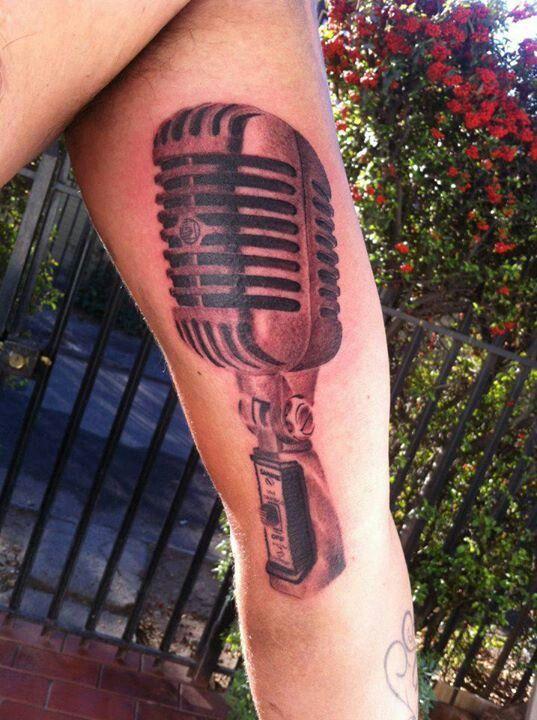 #blackandgrey #tattoo #microphone #shure #stgochile by pincel tattoo