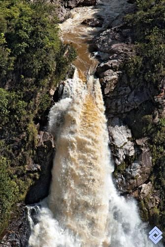 .::: Banco de Occidente :::. Donde las corrientes de agua se precipitan libremente sobre los abismos, se escenifica uno de los espectáculos más sobrecogedores de la naturaleza. Salto de El Buey, Antioquia.
