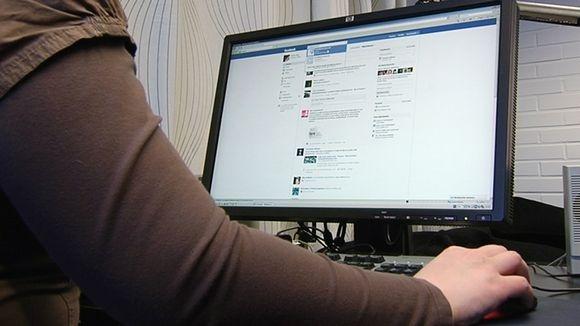 Osa yritysjohtajista suhtautuu yhä epäluuloisesti sosiaalisen median hyötyihin tulosten puutteellisen mittaamisen takia. Sosiaalinen media nähdään ensisijaisesti markkinoinnin ja ulkoisen viestinnän välineenä. Yle Uutiset   Tampere.
