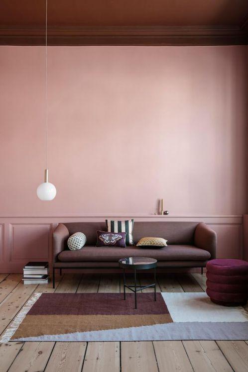 Des couleurs gourmandes comme la figue et le chocolat  vont se poser sur nos meubles, notre vaisselle et nos murs, bref un peu partout dans nos maisons.