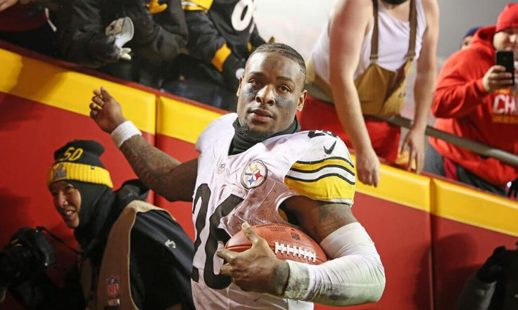 Tomlin | There will be consequences for Bell not showing up = Le'Veon Bell was not expected to report to Pittsburgh Steelers training camp on Thursday in time for the first practice, and the unsigned running back did not. However, there is.....