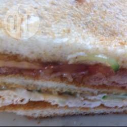 Foto recept: Heerlijke club sandwich! Bacon kip