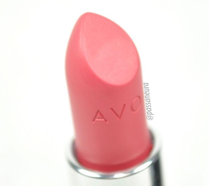 Batom Pêssego da nova linha de batons Ultramatte Ultimate da Avon. O batom é em uma tonalidade linda de rosa.