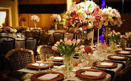 Casamento em marrom e rosa: veja decorações de diferentes estilos e escolha a sua preferida