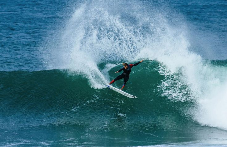 A Love letter to Portugal's Silver Coast | Via Wavelength magazine | 17/09/2017 Here's everything that makes Portugal's central coast such an incredible place for a surf trip. #Portugal Photo: Frederico Morais