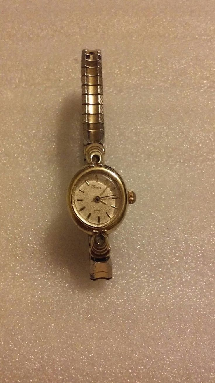 Vintage Womens Timex Quartz WatchWorking with New Battery