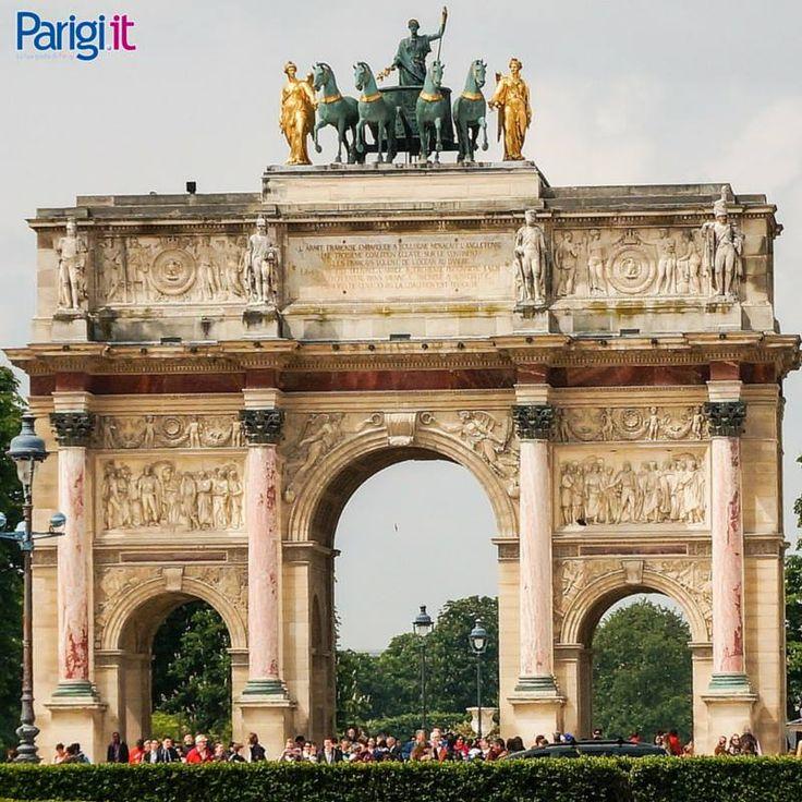 Arc du Carrousel vicino al Louvre, Parigi