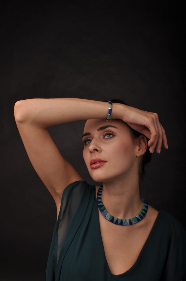 Stunning Crysoprasse and Lapis Lazuli Collier and bracelet.