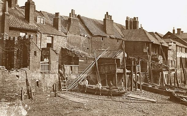 William Strudwick: riverside view of houses in Fore Street, Lambeth, before the building of the Albert Embankment, c1865