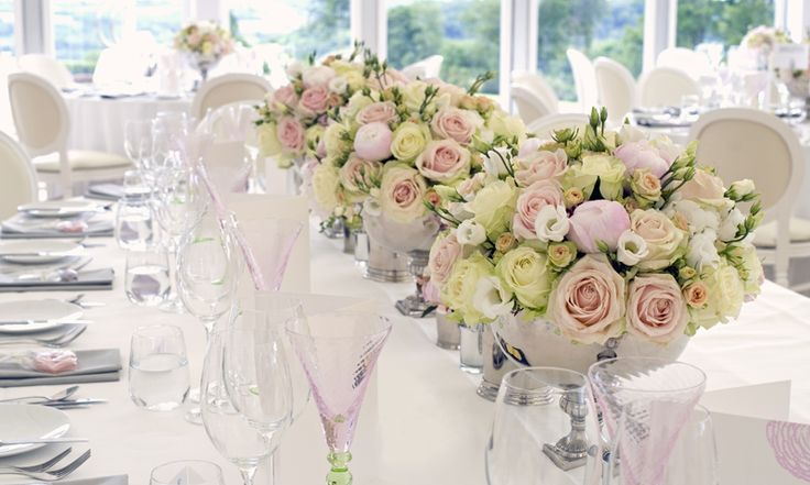 Philippa Craddock is an acclaimed Wedding and Event Florist based in Sussex, covering London and the South East, and an Online Boutique Plant Gift Specialist.