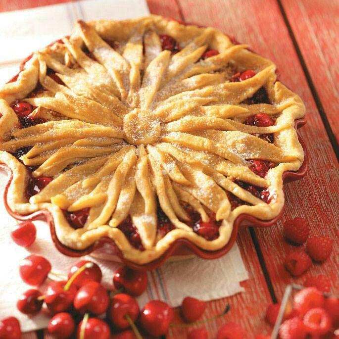 Cool idea to dress up boring pies